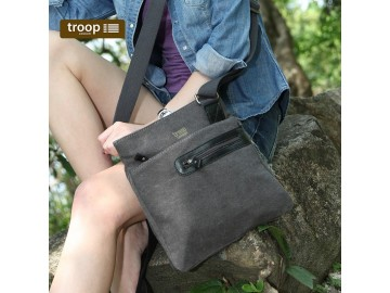 Troop London TRP0227 Unisex brašna přes rameno - Black